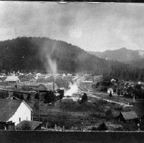 Image of N4855 - REMARKS:Glendale, Or., view looking down Cow Creek, shows mill on south side of Southern Pacific main line.
