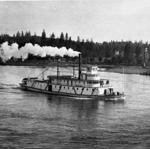 Image of N5712 - REMARKS:Sternwheel steamer RUTH underway, headed upstream on Willamette River.