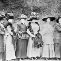 Image of N5721 - REMARKS:Group of eight Oakland, Or. ladies all with elaborate hats. Left to right: Anna Smith, Laura Pinkston, Martha Howard, Edna Hall, Agnes Smith, Ora Brown, Mina Mulkey, Maude Smith.