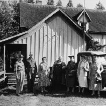Image of N8019 - REMARKS:Douglas County Historical Society group with Mont Spalding at the old Cutlack house, north east area of Douglas County near Cox Creek. Left to right: Victor Micelli; Mr. & Mrs. Mont Spalding; Huron Clough; Christina Micelli; Helen Hamilton Clarke and Ora Weaver Carter. ca. 1950s.  OBJECT DATE:ca. 1950s