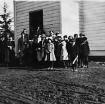 Image of N9770 - REMARKS:Tyee school. Another view of the Tyee pupils and a number of adults.