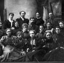 Image of N9962 - REMARKS:Large group of young ladies. 3rd from left, front row, Lillie Bradley.