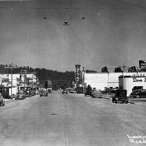 Image of N12948 - REMARKS:Reedsport, Or. looking east, ca. 1930s.