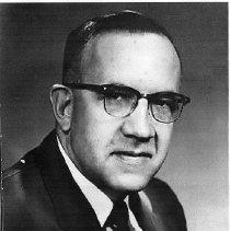 Image of Dr. Edward Carnes Lindell