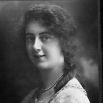 Image of Helen Casey as a young woman