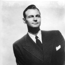 Image of Walter Cassel