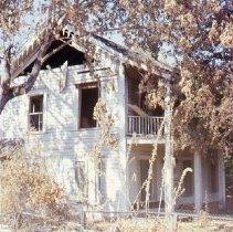 "Image of S880 - Damaged home, possibly ""lane House"" on Douglas Street after 1959 Roseburg Blast"