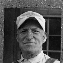 Image of Dossen E. Burgess