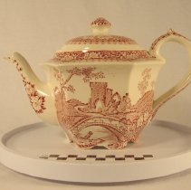 Image of Teapot side view