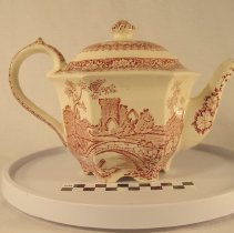 Image of Teapot - Decorative Arts Collection