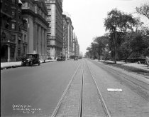 Image of Central Park West between 69th and 70th Streets: Eighth Avenue Line (IND)