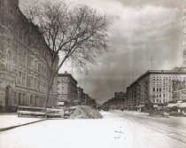 Image of Lenox Avenue Line at 135th Street, April 22, 1910.