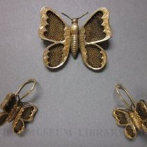 Image of Brooch & Earrings -