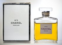 Image of Perfume Bottle with Box - No. 5