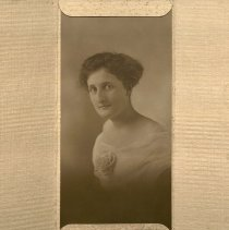 Image of Nellie Dodson