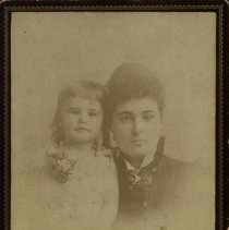 Image of Etelka and Nora Reed