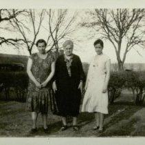 Image of Etelka Krieger (R), Nora Reed (C) and Vern Frizell(L)
