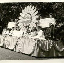 "Image of Float with sunflower ""Kansas Centennial 1861 - 1961"" - 1961"