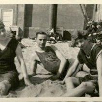 Image of Lura, Alice, and Martin Schnack. -