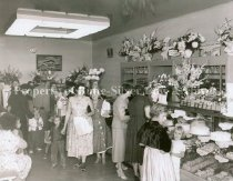 Image of PC023.015 Dutch Girl Bakery grand opening, 1957