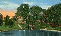 Image of Lake in Elmwood Park