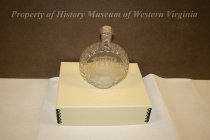 Image of 1962.9.001 - Bottle, Decanter