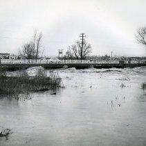 Image of UNRS-P2012-07-34 - 1955 Reno Flood. Bridge over Truckee River.