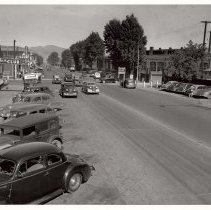 Image of UNRS-P1988-35-01 - Traffic congestion, July 23, 1947. [B Street at Pyramid Way, Sparks] Southern Pacific Sparks Shops. Jake's Club. D & N Bar. Shorty's Club.
