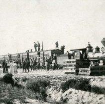 Image of UNRS-P1995-26-27 - Eureka-Palisade Railroad Excursion Train, July 4, 1902.
