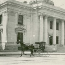 Image of UNRS-P1992-01-1194 - Photograph of Washoe County Court House, [Reno, Nevada]