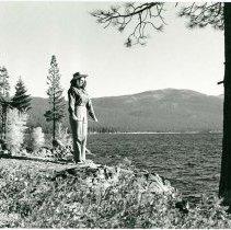 Image of UNRS-P1990-04-0326 - Gloria Griffen.