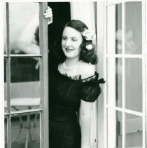 Image of UNRS-P1990-04-0334 - Gloria Griffen.  MacChesney?