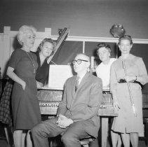 Image of UNRS-P1985-08-04135 - Photograph of Pro - Musica; April, 1963; Aleta Gray; Helen Grimes; Bill Halberstadt (neg. 4x5)