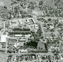 Image of UNRA-P1070-33 - Aerial photograph of campus, with quadrangle, view from the west (1961).