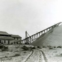 Image of UNRS-P1988-55-0839 - Photograph of an unidentified mine or mill
