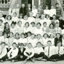 Image of UNRS-P2222-5 - Photograph of a fourth grade class at the Southside School.