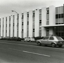 Image of UNRA-P1512-268 - Juniper Hall, with North Virginia Street in the foreground (1985)