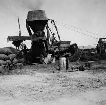 Image of UNRS-P2008-18-1916 - [B_W photos- Agriculture]. Alfalfa meal mill.