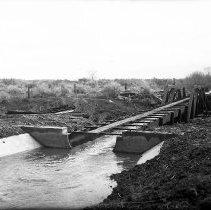 Image of UNRS-P2008-18-1798 - [B_W negatives- Lahontan Dam, Construction].
