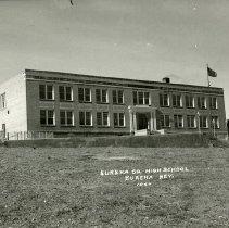 Image of UNRS-P1992-01-6756 - Eureka County High School, Eureka, Nevada. 1047. Photo by Nevada Photo Service.