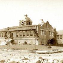 Image of UNRS-P1993-03-1059 - Caption on image: Mt. Rose School, Reno, Nev. Image of Mt. Rose School taken from the front left corner of the building.