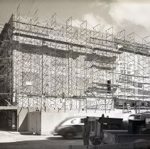 Image of UNRS-P2012-10-174 - [Construction on Harolds Club new front. Circa 1945.]