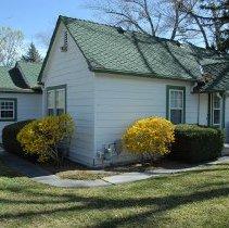 Image of UNRS-P2016-08-00137 - 1940 Guest Cottage/Bridal Suite front/North side