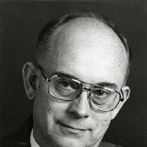 Image of UNRA-P1512-028 - Richard Hughs, Daen of Buisness (May 1982)