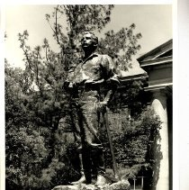 Image of UNRA-P3148-02 - Photograph of John Mackay Statue
