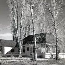 Image of UNRS-P1985-08-00066 - Folder 193. Bill and Virginia Pedroli's home (neg. 4x5)