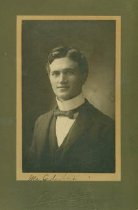 Image of Scandinavian American Portrait collection - Professor William Cederberg