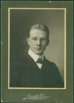 Image of Scandinavian American Portrait collection - Alfred Hallquist