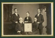 Image of Scandinavian American Portrait collection - Hasselquist family