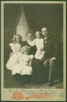 Image of Scandinavian American Portrait collection - Larson family